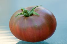 Black Krim heirloom tomato Types Of Tomatoes, Heirloom Tomatoes, Gardens, Vegetables, Black, Black People, Outdoor Gardens, Vegetable Recipes, Garden