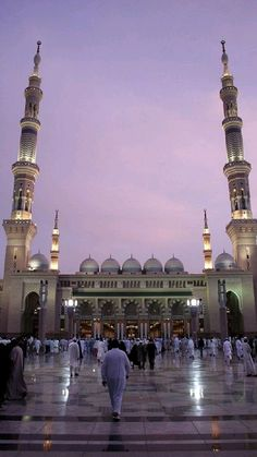 Beautiful Mosques, Beautiful Buildings, Beautiful Places, Mecca Madinah, Medina Mosque, Mosque Architecture, Architecture Design, Stunning Photography, Art Photography