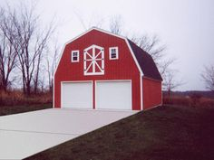 White Vinyl Siding On A Gambrel Garage Garages