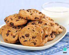 Recipe of Cookies with homemade chocolate chips - Recipes Cook Milk Chocolate Chip Cookies, Homemade Chocolate Chips, No Bake Cookies, Cookies Et Biscuits, Easy Homemade Cookies, Homemade Recipe, Cookie Recipes, Dessert Recipes, Cookie Pictures