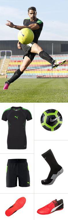 Ob Training oder Gameday – mit diesen Fußball-Basics bist du ein Matchwinner. Die Fit Core Crew-Socken von Nike und das PUMA Kompressionsshirt sind speziell auf die Bedürfnisse von Fußballern abgestimmt, der Hallenschuh überzeugt mit einem geringen Gewicht und innovativer Technologie.