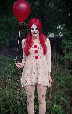 45 Funny and Scary DIY Halloween Costumes Ideas Contact Lisa Reich about the Colorado real estate market. Lisa Reich with RE/MAX Alliance Lisa www.ReichColorado… Funny-and-Scary-DIY-Halloween-Costumes-Ideas Disfarces Halloween, Pennywise Halloween Costume, Popular Halloween Costumes, Couple Halloween Costumes, Halloween Outfits, Horror Movie Costumes, Pretty Halloween, Halloween Fashion, Costume Ideas