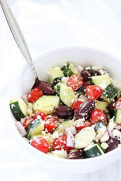 Greek Salad Recipe-this classic salad is so easy to make and always a favorite!