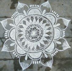 Rangoli Borders, Rangoli Border Designs, Rangoli Designs With Dots, Rangoli Designs Images, Beautiful Rangoli Designs, Rangoli Designs Latest, Latest Rangoli, Rangoli Designs Diwali, Rangoli Photos