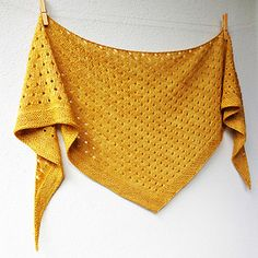 Ravelry: Gold Dust shawl pattern by Lisa Hannes Knitting Stitches, Knitting Patterns, Wrap Pattern, Knit Wrap, Shawl Patterns, Knitted Shawls, Knitted Scarves, Knitting Accessories, Shawls And Wraps