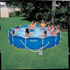 Intex zwembad frame+filter 366x76 cm De Frame Pool 366 is enorm populair door zijn stevige frame en praktische formaat. Het zwembad is groot genoeg om lekker in te zwemmen, maar toch klein genoeg om niet te veel ruimte in uw tuin in te nemen. Deze Intex - &euro