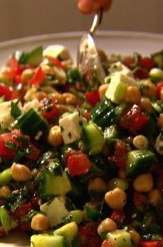Middle Eastern Vegetable Salad Recipe - really wish my husband liked vegetables (besides potatoes and corn)