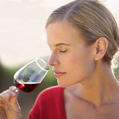 Resveratrol, the famed antioxidant found in grape skin, stops fat storage. Studies show that moderate wine drinkers have narrower waists and less belly fat than liquor drinkers. Downing a glass can boost your calorie burn for a good 90 minutes.