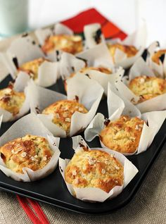 Baked beans nests - Parenting Tips and Advice Baking Recipes, Cake Recipes, Easy Eat, Healthy Muffins, Baked Beans, Healthy Baking, I Love Food, No Bake Cake, Sweet Recipes