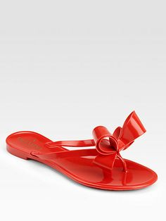 Valentino Couture Bow Jelly Thong Sandals - my favorite flip flops from last season Bow Sandals, Jelly Sandals, Cute Sandals, Shoes Heels, Flats, Flat Shoes, Valentino Couture, Valentino Garavani, Red Jelly