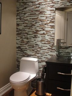 skinny glass tile accent wall in powder room Wallpaper Accent Wall Bathroom, Tile Accent Wall, Bathroom Accents, Wall Wallpaper, Wall Tile, Trendy Wallpaper, Accent Walls, Black Wallpaper, Wallpaper Quotes
