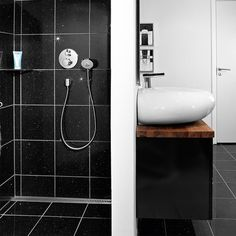 Unidrain-lattiakaivo asennetaan seinän viereen. ClassicLine | linja | Column 30, Toilet, Sink, Bathtub, Bathroom, Home Decor, Ceiling, Ideas, Shower Heads