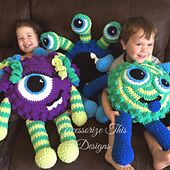 Make your own Monster!!! These super adorable, soft, squishy monsters are so much fun to work up!! Measuring approximately 2 feet long when made with Bernat Blanket Super Bulky yarn. This pattern includes all the pieces shown; mix and match to make your very own Monster!