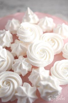 Nov 2019 - These Easy Meringue Cookies are sweet, crispy & as light as a cloud.AKA Forgotten Cookies, meringues are easy to make (with only 3 ingredients) & fat-free! Easy Meringue Cookies, Chocolate Chip Meringue Cookies, Easy Meringue Recipe, Meringue Desserts, Easter Cookie Recipes, Dessert Recipes, Cupcake Recipes, Cookies Ingredients, 3 Ingredients