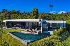 Hilton & Hyland (@hiltonhyland) • Instagram photos and videos Beverly Hills, Millionaire Homes, Modern Homes For Sale, Indoor Outdoor Living, Estate Homes, Luxury Real Estate, New Construction, Luxury Homes, Beautiful Homes