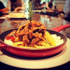 Yum! Spaghetti, Restaurant, Dining, Ethnic Recipes, Food, Diner Restaurant, Essen, Meals, Restaurants