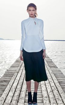 「mame」2015-'16 A/W COLLECTION 旅で出会った美しい布、布作りの美しい姿勢 | COLLECTION | FASHION | ファッション雑誌『装苑』のオフィシャルサイト ファッション、ビューティ、カルチャーなどの厳選した情報をお届け! 装苑ONLINE
