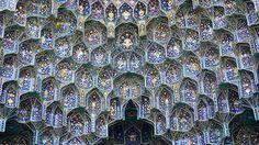 doorofperception.com-islamic_architecture-iranian_mosque_celings-2.jpg (2500×1405)