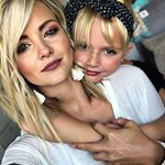 """While the boys are away. the girls will play. doin All the GIRL stuff with my mini ❤️ We even filmed a tutorial on her """"false bangs"""" 💁🏼♀️😍! I sure love 💕 this little diva of mine! Blonde Beauty, Hair Beauty, Straight Hairstyles, Girl Hairstyles, Hot Blondies, Cheer Hair, Makeup Routine, Beauty Make Up, Cut And Color"""