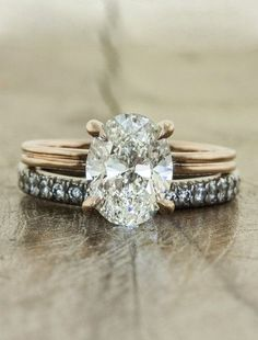 Oval engagement ring + mixed metals (LOVE!)