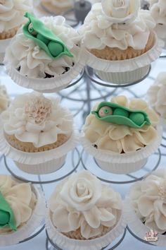 8 Diy Baby Shower Cupcakes - diy Thought. Pea in a pod baby shower cupcake. Baby Cupcake, Baby Shower Cupcakes, Shower Cakes, Cupcake Cakes, Cup Cakes, Rose Cupcake, Sugar Cookies Recipe, Holiday Cookies, Party Cakes