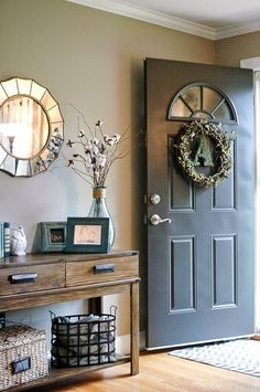 Nice 88 Cool Farmhouse Fall Decor Front Doors Ideas. More at http://musikunik.ga/2017/09/06/88-cool-farmhouse-fall-decor-front-doors-ideas/