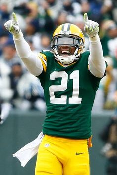 Dallas Cowboys vs. Green Bay Packers - Ha Ha Clinton-Dix #21 of the Green Bay Packers reacts during the 2015 NFC Divisional Playoff game against the Dallas Cowboys at Lambeau Field on January 11, 2015 in Green Bay, Wisconsin. (Photo by Al Bello/Getty Images)