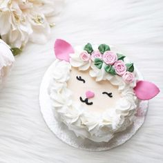 Crushing on this lamb cake by luxeandthelady swoon! happyeaster happyeaster Crushing on this lamb cake by luxeandthelady swoon! Cute Cakes, Pretty Cakes, Sheep Cake, Scalloped Potatoes And Ham, Lamb Cake, Desserts Ostern, Cupcakes Decorados, Spring Cake, Floral Cake