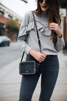 My Valentino Score (Thrifts and Threads) Valentino Rockstud Bag, Valentino Bags, Louis Vuitton Gm, Chic Fashionista, Cool Outfits, Fashion Outfits, Autumn Winter Fashion, Autumn Style, Purses
