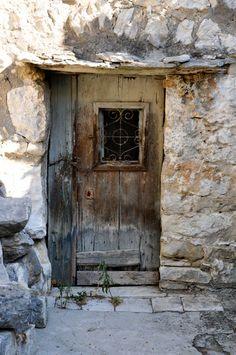 Varosh / Split Veli Varosh / Split,Veli Varosh / Split, Nice to meet you. Cool Doors, Unique Doors, Knobs And Knockers, Door Knobs, Old Windows, Windows And Doors, Entrance Doors, Doorway, Door Gate