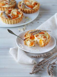 Patisserie Design, Köstliche Desserts, Delicious Desserts, French Summer, Soul Food, Muffin, Sweets, Baking, Breakfast