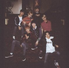 Cold as ice but in right hand he's melts. Nct 127, Grunge Outfits, Haikyuu, Ntc Dream, Neo Grunge, Polaroid, Ko Ko Bop, Jeno Nct, Jisung Nct