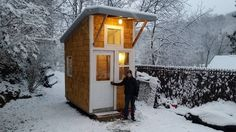 Every thought about how to house those extra items and de-clutter the garden? Building a shed is a popular solution for creating storage space outside the house. Whether you are thinking about having a go and building a shed yourself Building A Tiny House, Building For Kids, Garderobe Design, 13 Year Old Boys, Tiny House Movement, Eco Friendly House, 13 Year Olds, Shed Plans, Lifehacks