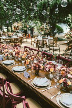 Boho-chic wedding decoration at Vila Rica Farm - Constance Zahn - Casamento - Chic Wedding, Trendy Wedding, Wedding Table, Rustic Wedding, Wedding Reception, Wedding Cakes, Wedding Ideas, Glamorous Wedding, Wedding Advice