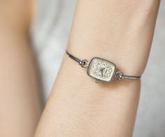 Vintage Watches Collection for women : Vintage women's watch bracelet Seagull, small rectangular face women's watch, ladies cocktail watch oramented face, very small wrist watch - Watches Topia - Watches: Best Lists, Trends & the Latest Styles Vintage Watches Women, Vintage Ladies, Watches For Men, Women's Watches, Square Faces, Bangles, Bracelets, Quartz Watch, Fashion Watches