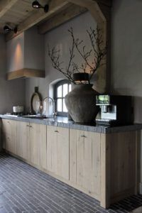 Browse photo galleries, discover kitchen flooring ideas, and find products that match . Kitchen floors must withstand frequent foot traffic, dropped dishes and . Small Rustic Kitchens, Modern Farmhouse Kitchens, Farmhouse Kitchen Decor, Kitchen Small, Small Bathroom Window, Home Bar Furniture, Craftsman Kitchen, Lounge Design, Kitchen Pictures