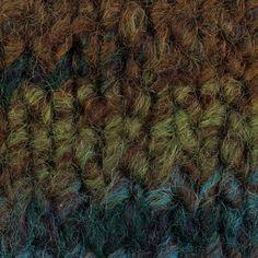 Yarn: Fusilli Rosários4. Composition: 55% wool + 45% acrylic. Needles: 9 (USA 13).  Weight: 100 g = 80 m | 3.50 oz = 87 yds.