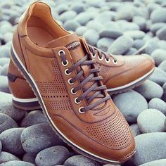 Magnanni | Pueblo Cognac. Comfortable and stylish sneakers available at www.magnanni.com/shop/pueblo-cognac #Magnanni  #Sneakers  #MadeInSpain