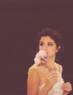 Omg she is so pretty! I love her! #selenator