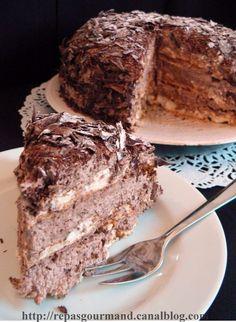 Chocolate fudge and carmel Chocolate Fudge, Chocolate Recipes, Dacquoise, Meringue, Just Desserts, Nutella, Banana Bread, Deserts, Baking