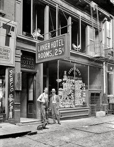 1921 Lanier Hotel... Rooms 25c