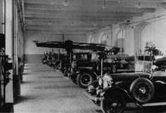 Budapest, Antique Cars, Antiques, Vehicles, Vintage Cars, Antiquities, Antique, Car, Old Stuff