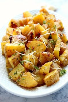 Garlic Ranch Roasted Potatoes Recipe - perfectly roasted potatoes with garlic and Ranch seasoning and a mix of butter and oil for the best roasting result. Simple vegetable turned into one delicious side dish!