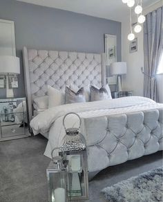 The way you decorate your home is somehow similar to choosing beautiful clothes to wear on a daily basis. An impressive interior decoration of your home or office is essential for your own state of mind, if nothing else. Teen Room Decor, Room Ideas Bedroom, Home Decor Bedroom, Modern Bedroom, Living Room Decor, Bedroom Designs, Girls Bedroom, Interior Design Career, Interior Decorating Styles