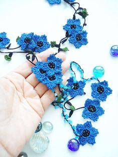 Mavi Çiçekli Elişi Kolye