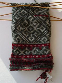 Latvian mittens (I'm one of those who is not bothered by WIP photo shots)