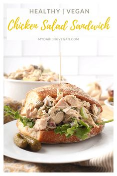A Vegan Chicken Salad everyone will love. This traditional salad is made with green jackfruit and mixed with celery, onions, and pickles for a healthy twist on a classic salad. Soy and gluten-free! Vegan Sandwich Recipes, Easy Salad Recipes, Vegan Dinner Recipes, Vegan Dinners, Whole Food Recipes, Healthy Recipes, Vegetarian Options, Dessert Recipes, Jackfruit Chicken