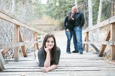 www.katherinekphotos.com | www.facebook.com/katherinekrakowskifamilyphotography | family photoshoot portrait photography cute photo idea daughter mom dad kisses beautiful family poses