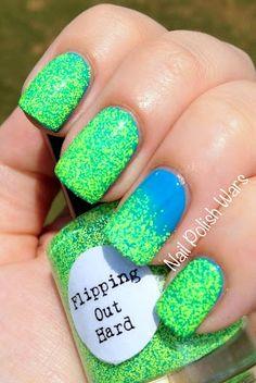 Nail Polish Wars: Nail Pattern Boldness fingernails