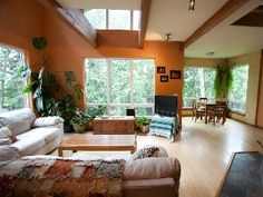 Anchorage- Charming Alaska Home in Quiet Wooded Neighborhood
